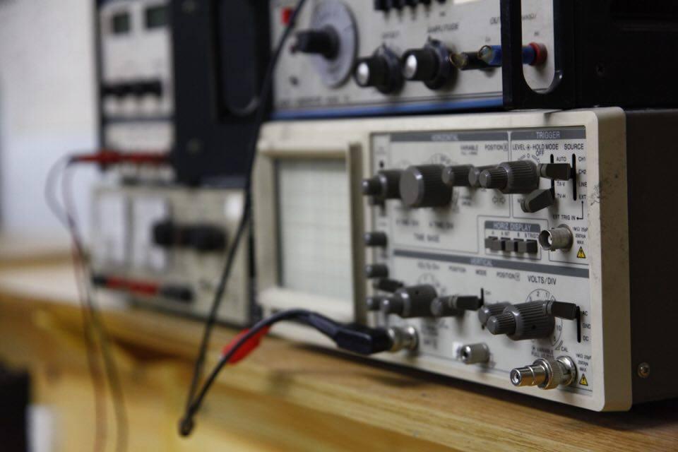 Eργαστήρια Ηλεκτρολόγων – Ηλεκτρονικών